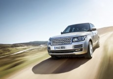 594255_LR_Range_Rover_Location_UK_05
