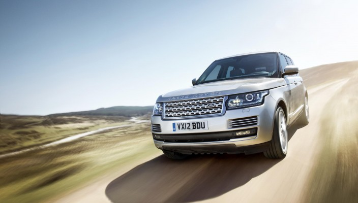 594255_LR_Range_Rover_Location_UK_05